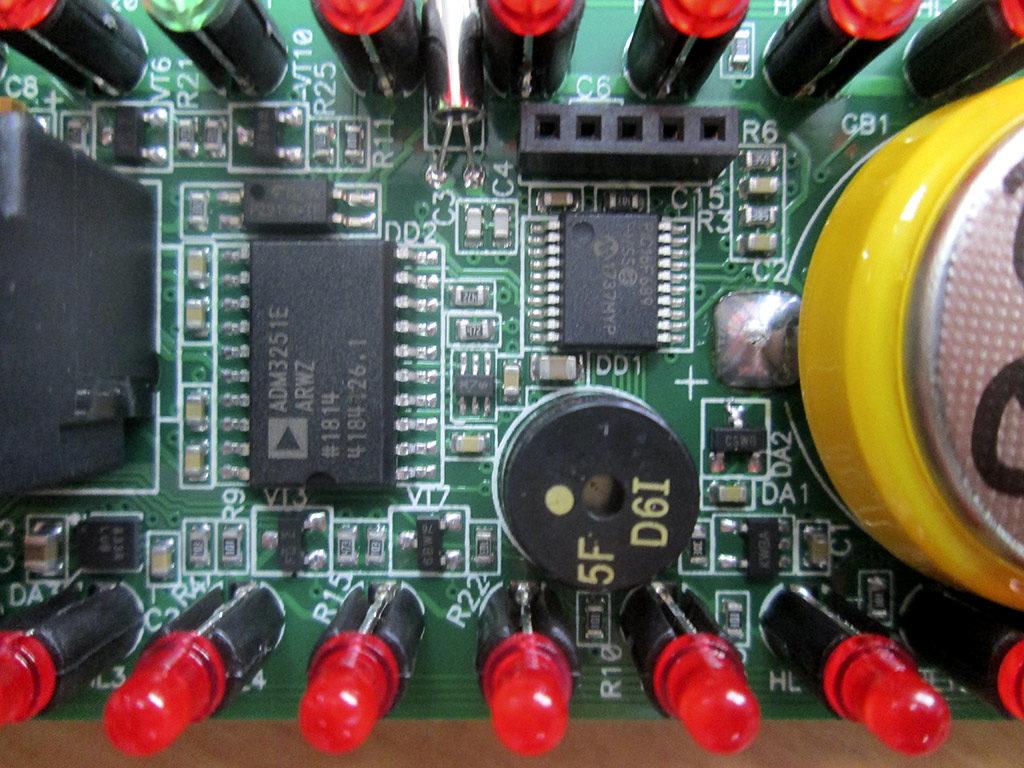 Рис. 3 — Вид платы индикации с установленным МК ОВЕН ПЛК100