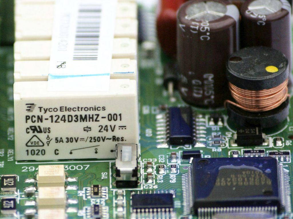 Рис.5 - Реле Delta Electronics DVP14SS11R2