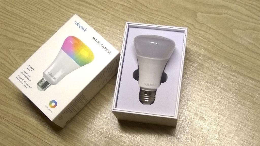 Рис. 3 — Распаковка умной Wi-Fi-лампы Rubetek