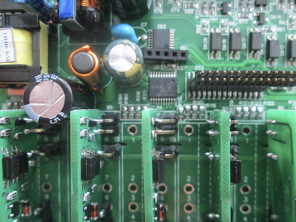 Рис. 11 — Вид на платки с транзисторными ключами «ОВЕН ПЛК100»