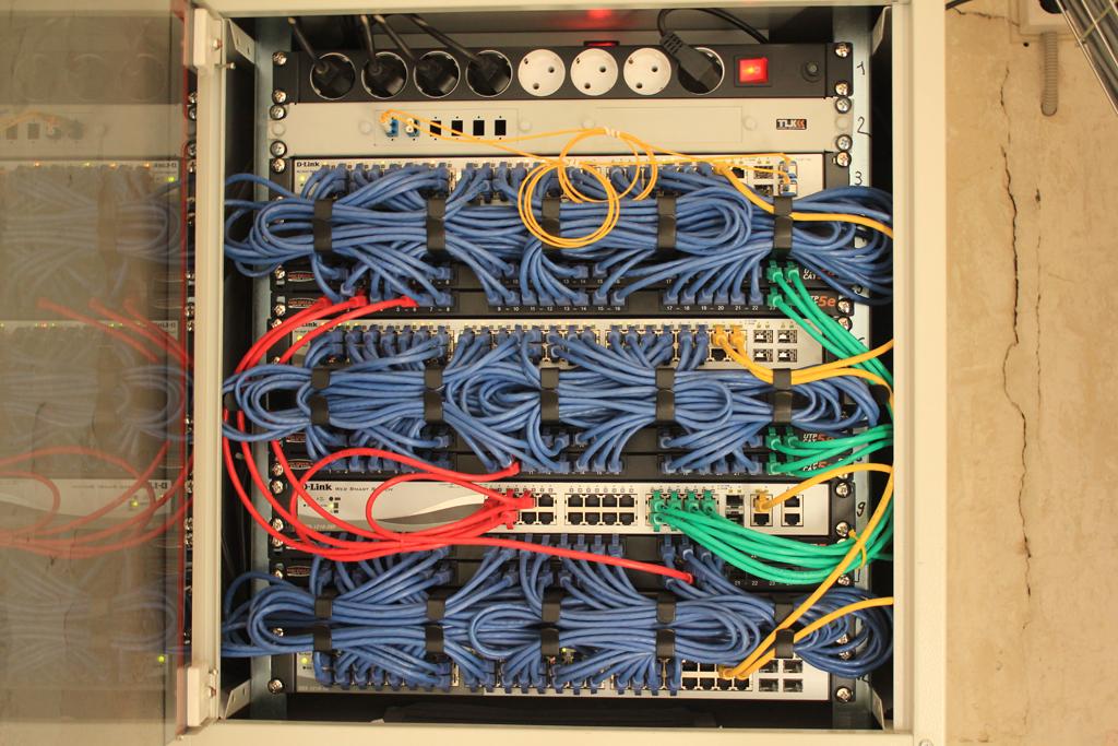 Wi-Fi розетка S-1 - добавление функционала управляемой розетки к неуправляемым PDU