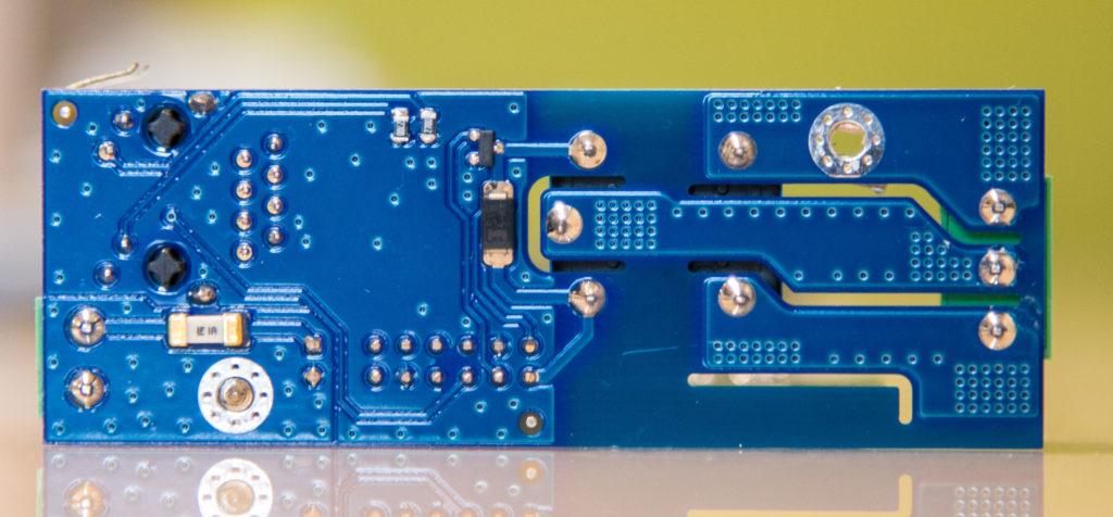Рисунок 2. Силовая печатная плата устройства RODOS-8 DIN