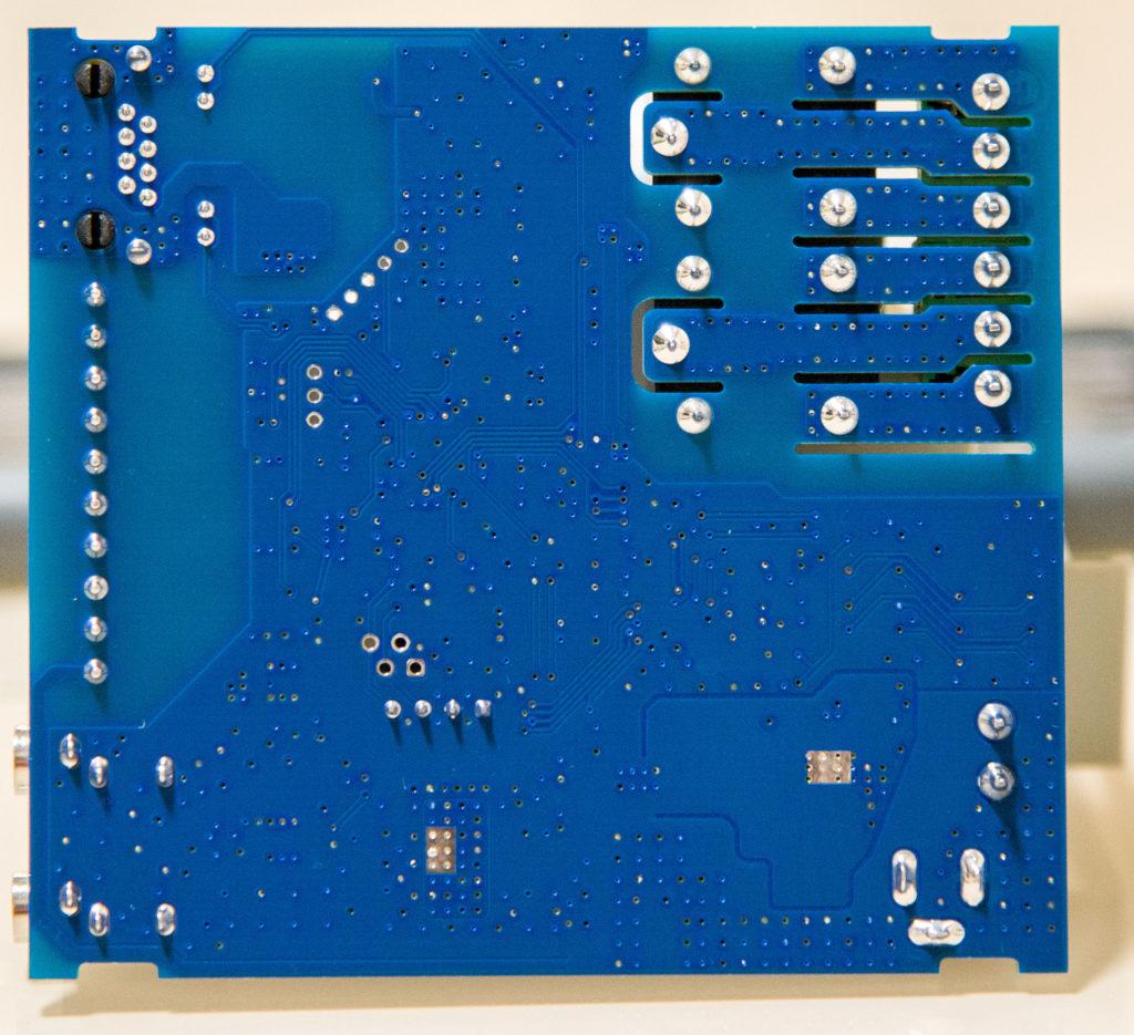 Рисунок 9. Внешний вид печатной платы RODOS-16 DIN с обратной стороны